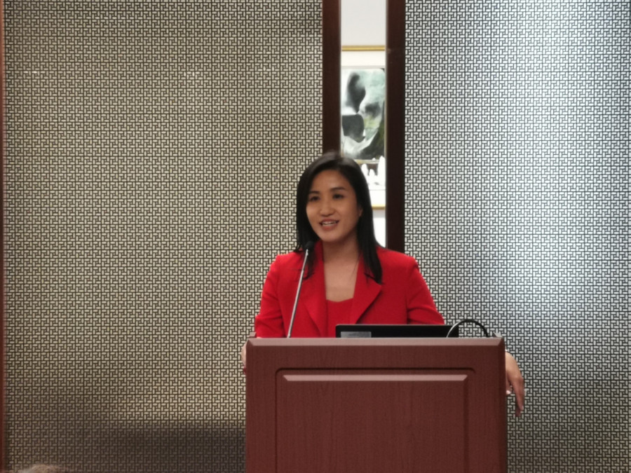 "The Director of the Hong Kong Economic and Trade Office (Toronto), Ms Emily Mo, gives welcome remarks at a seminar entitled ""Connecting Hong Kong and Canada through Music"" at the Richard Charles Lee Canada-Hong Kong Library of the University of Toronto in the afternoon on June 18 (Toronto time)."