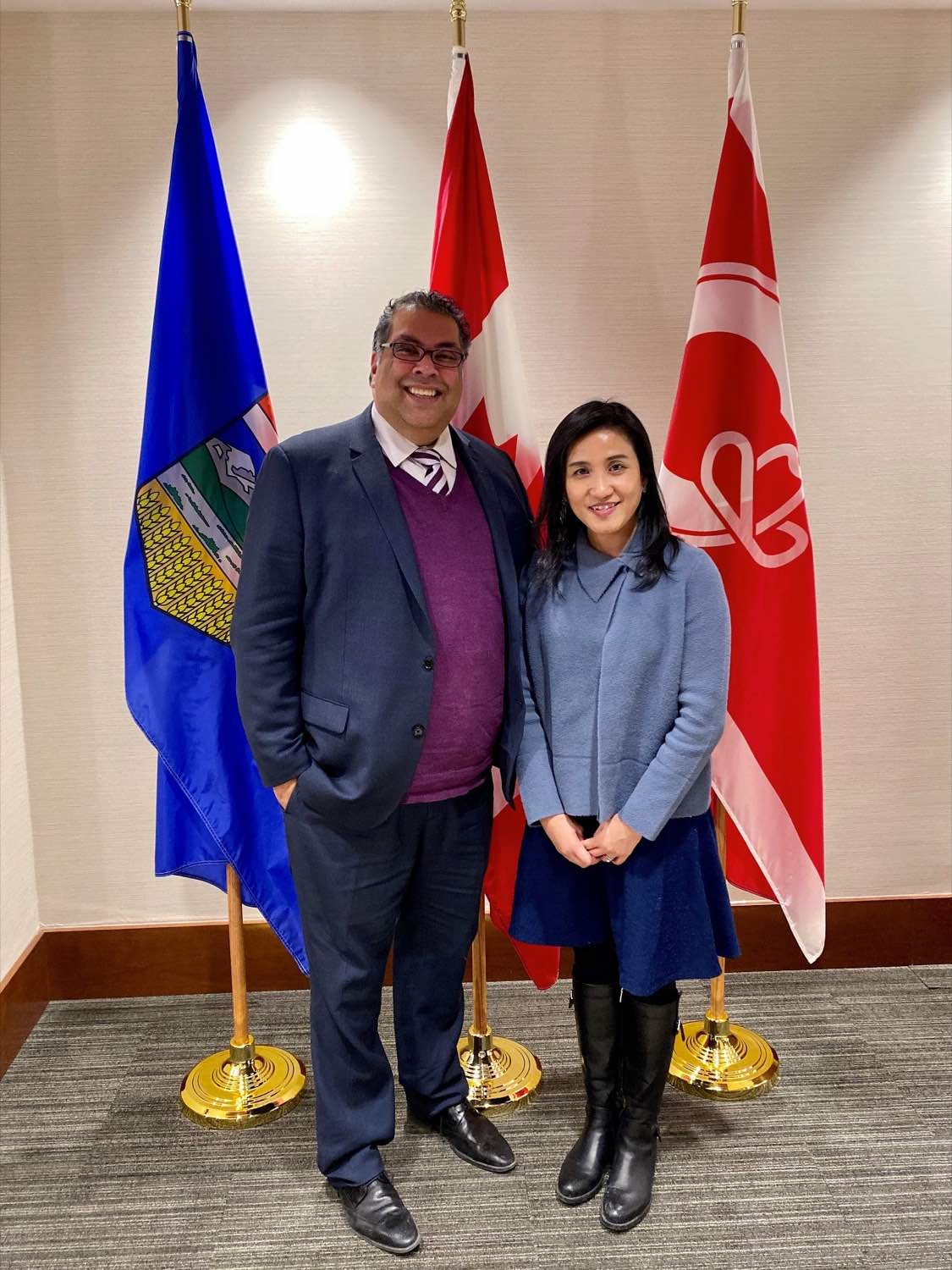 Ms Mo paid a courtesy call on Calgary Mayor Naheed Nenshi during her stay in Calgary on November 27.